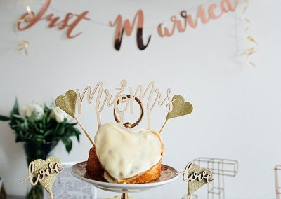 Wedding-Cake-London-Elopement-Wedding-Parrot-and-Pineapple