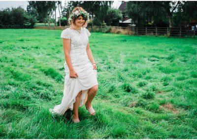 Bride-Erica-in-the-Garden-DIY-Home-Garden-Wedding-Parrot-and-Pineapple-Wedding-Photography