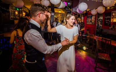 The Londesborough Pub Wedding | London | Hannah and Phil