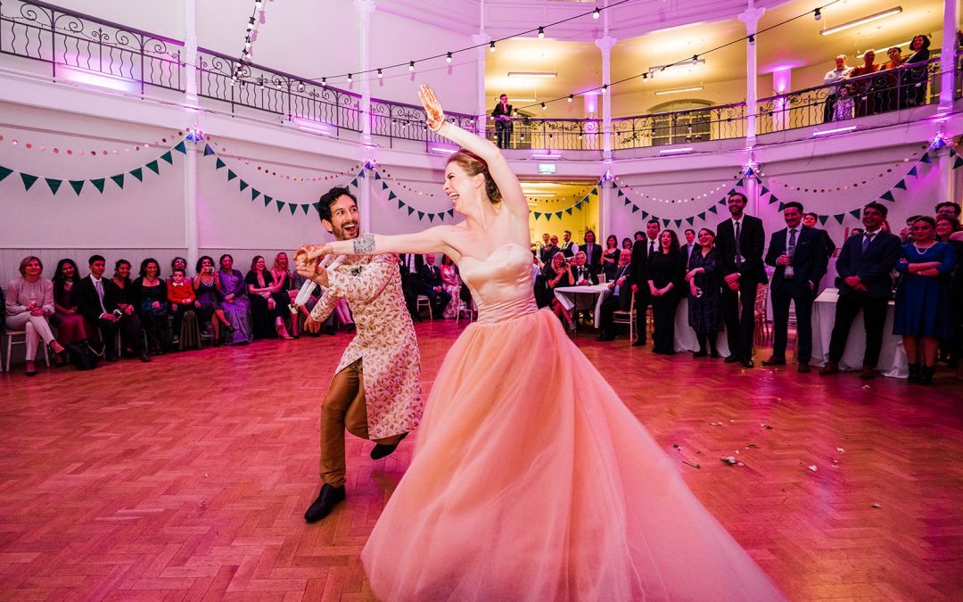Top tips for amazing first dance photos